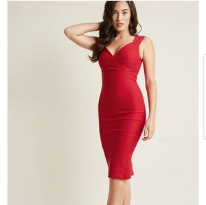 LADY LOVE SONG SHEATH DRESS RUBY RED S|M